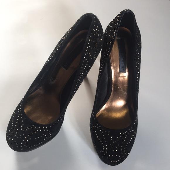 BCBGMAXAZRIA round toe high heel pumps size 8